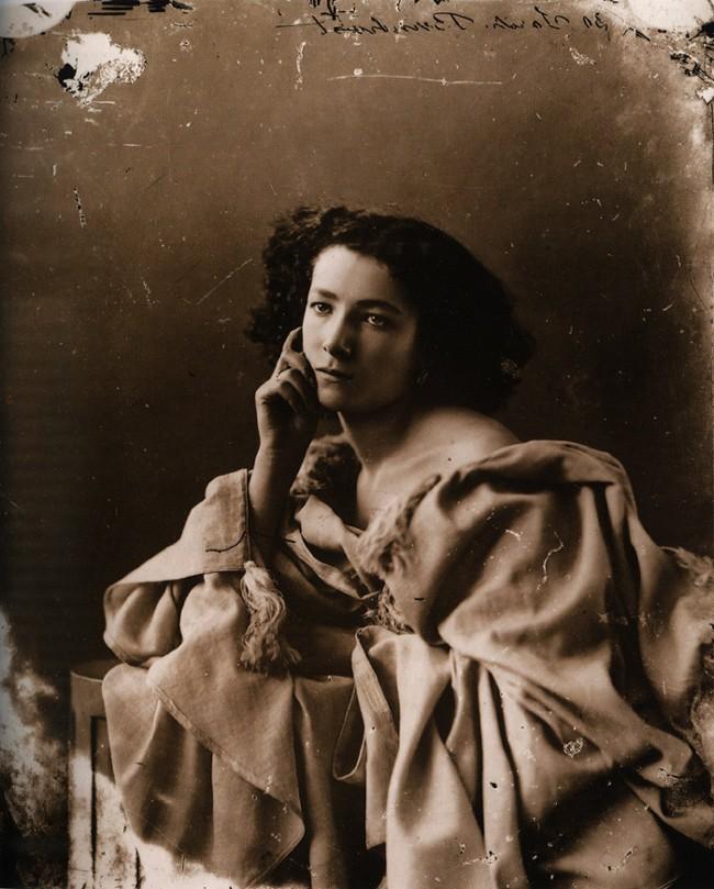 portret Sarah Bernhardt wykonany przez Felixa Nadara najsłynniejszego fotografa XIXw