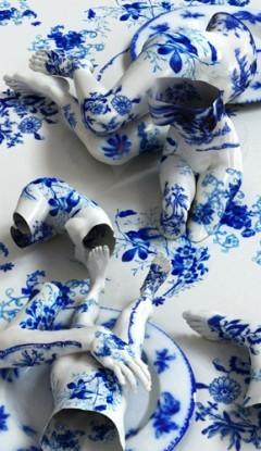 Kim Joon maluje, projektuje, konstruuje i fotografuje. Jako gorliwy sympatyk nurtu wzorzystej rzeźby ludzkiej uwielbiam jego serię porcelanową. To niezwykle piękna opowieść o kruchości.