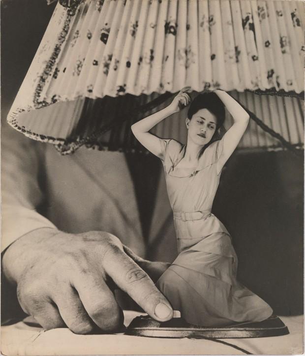 """Mimo pewnych wątpliwości """"Artykuły elektryczne"""" umieszczam w katergorii metafory, """"Articulos eléctricos para el hogar"""", Grete Stern, 1950"""
